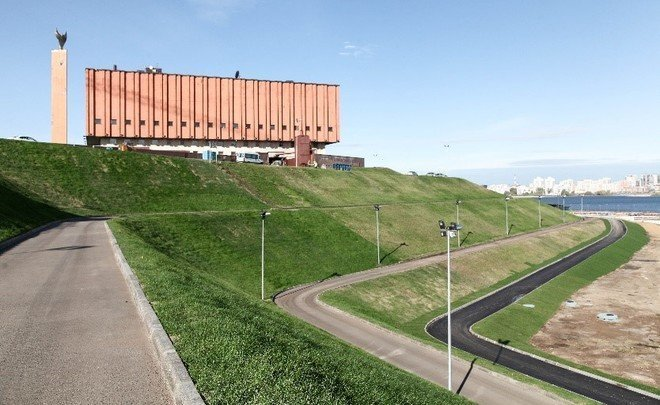 ''Green gift'': the hillside near Kazan NCC covered with 17.9k sq m of lawn