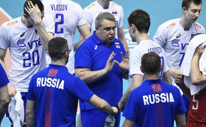 Neither hat, nor head. Russian national volleyball team without coach