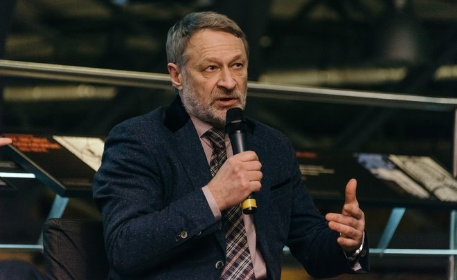 "Dmitry Oreshkin: ""Luzhkov thought he could consolidate the interests of governors"""